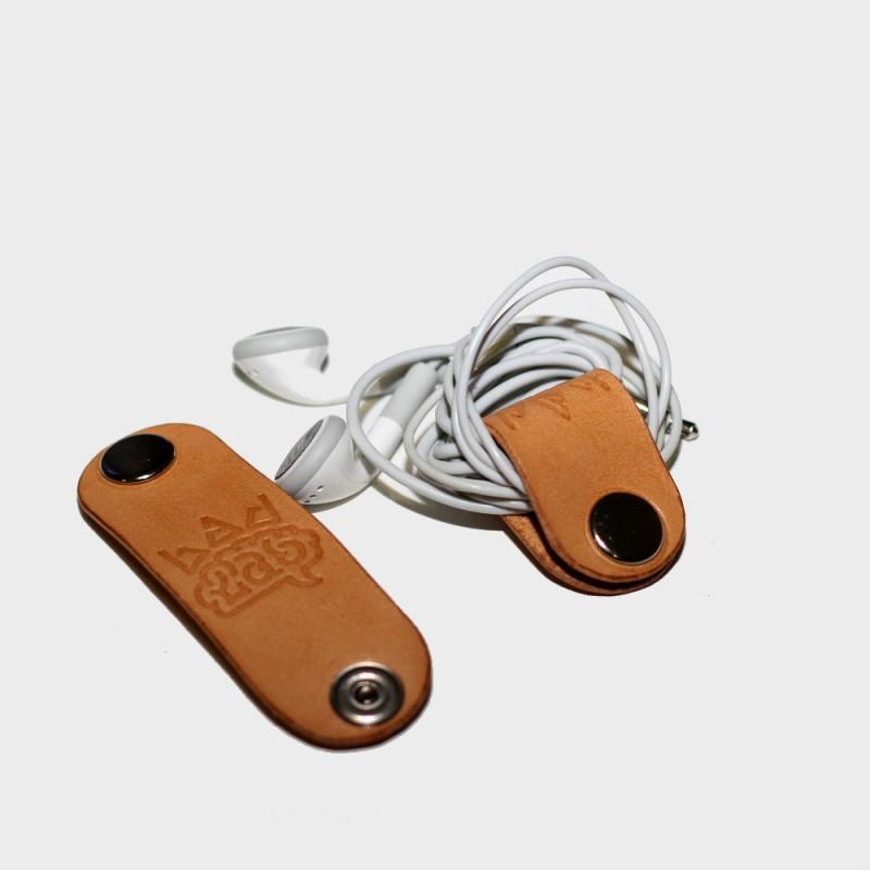 Кожаный держатель для наушников CLIP (бежевый)