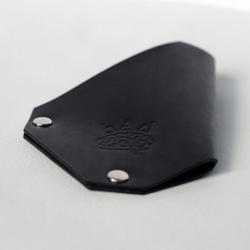Кожаный держатель для карточек CardLovder (черный)