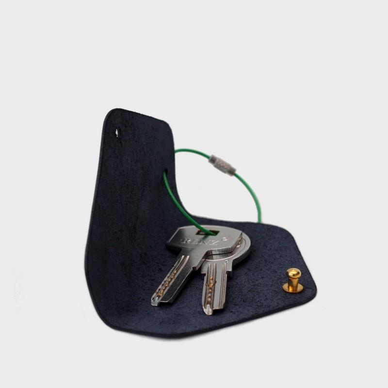 Кожаная ключница Embr с карабином (синяя)